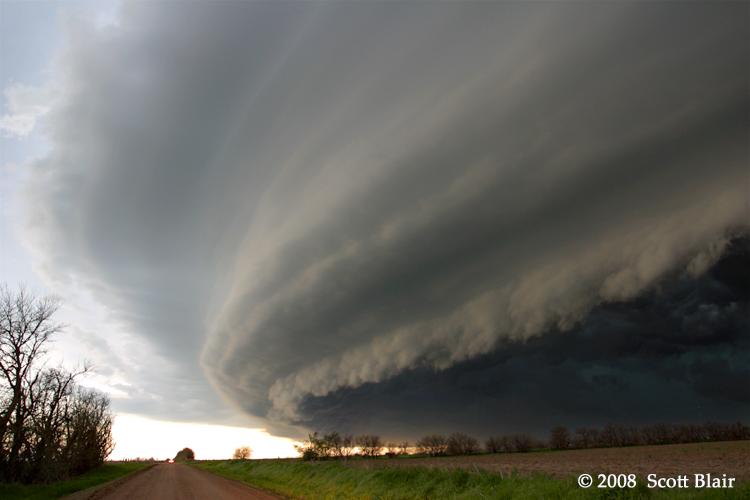 shelf-cloud-storm